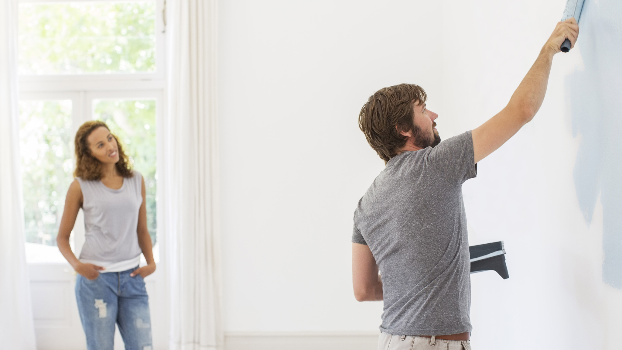 If you really like the way a friend's house has been painted, see if you can get their painting contractor's contact details. However you track your painting contractor down, make sure you see some examples of their painting techniques before you hire...