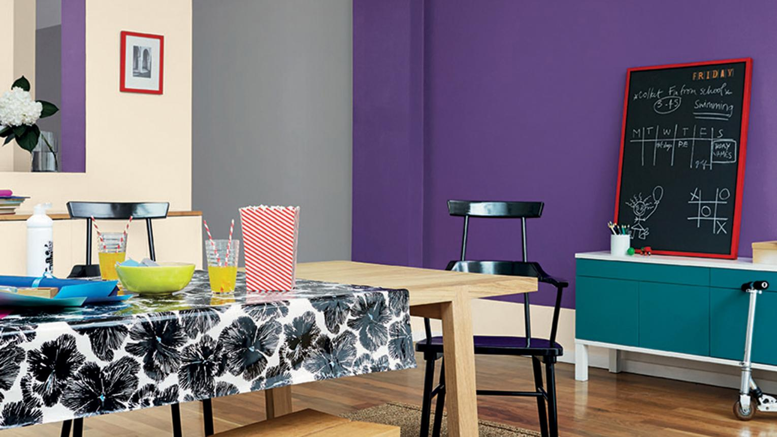 Go from casual to formal dining with a flexible colour palette that balances practicality with sophistication