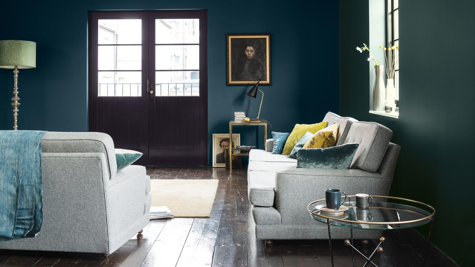 Dark Dulux Paint Colour Trends For A Chic New Home Interior And Exterior Colour Paints Decorating Ideas Dulux